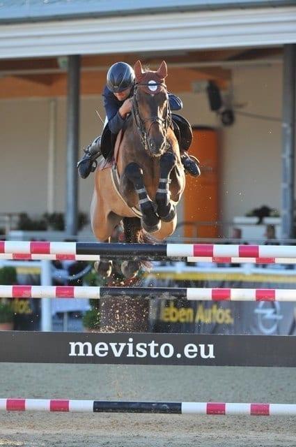 MEVISTO Teamreiter Roland Englbrecht auf Mevisto's Poorboy. © Magna Racino / Hervé Bonnaud