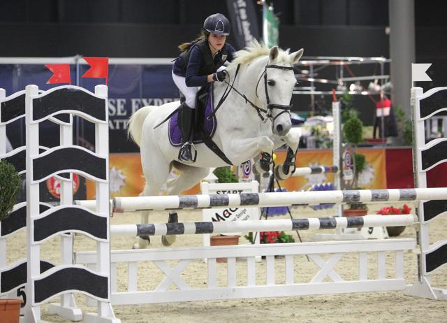 Nach ihrer Schwester rangierte Klara Goess-Saurau (B) mit Zoey auf Platz zwei. © Fotoagentur Dill