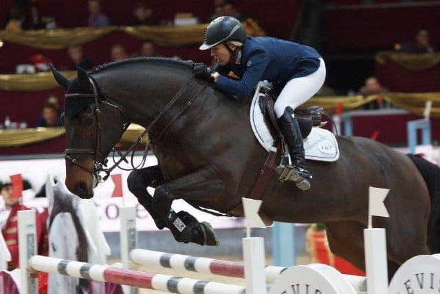 Meredith Michaels-Beerbaum (GER) steht ihren männlichen Konkurrenten in nichts nach. © Salzburg CityGuide