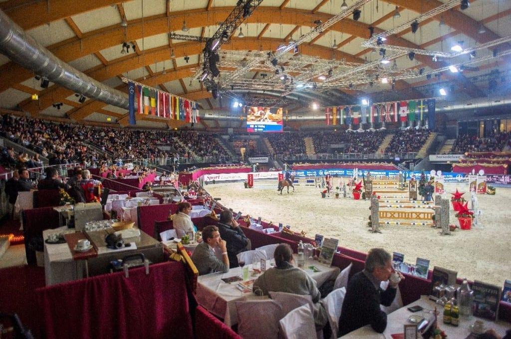 Als VIP Gast ist man bei der Mevisto Amadeus Horse Indoors bestens versorgt und hautnah am Geschehen. © Nini Schäbel
