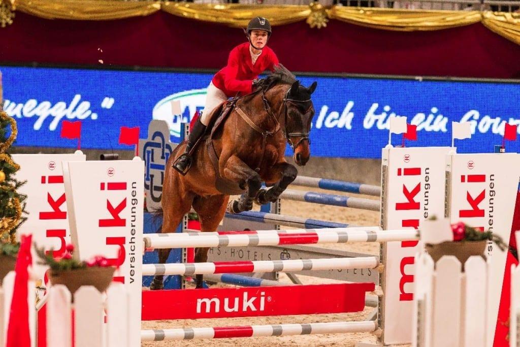 Carola Würgler-Hauri (SUI) und Comodor S Z konnten in der Fixkraft Medium Amateur Tour Opening punkten. © Michael Graf