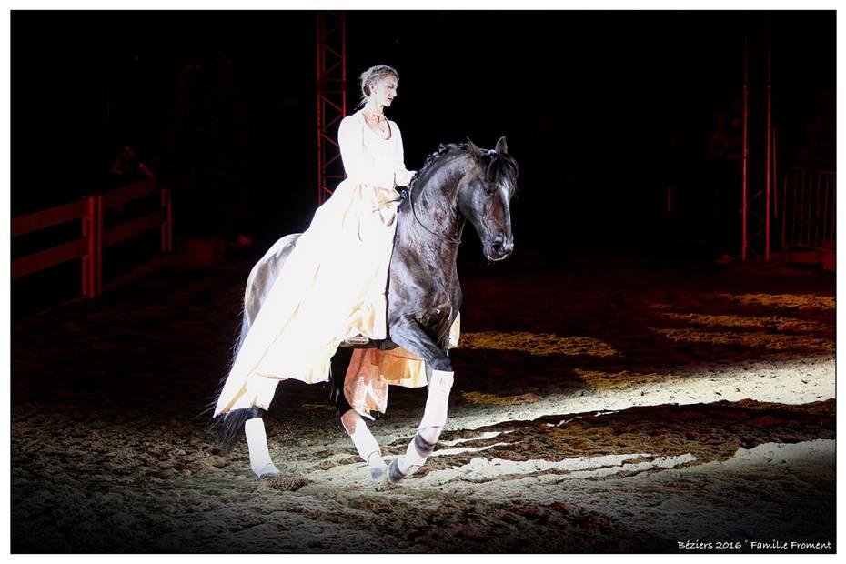 Alizée Froment gehört zu den größten Showstars in der Pferdesportszene und ist vom 8. bis 11. Dezember 2016 bei der Mevisto Amadeus Horse Indoors in Salzburg zu sehen. © Familie Froment
