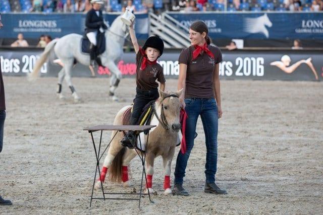 Im Kinderbereich der Mevisto Amadeus Horse Indoors können die jüngsten Gäste Working Equitation selbst ausprobieren. © Michael Graf