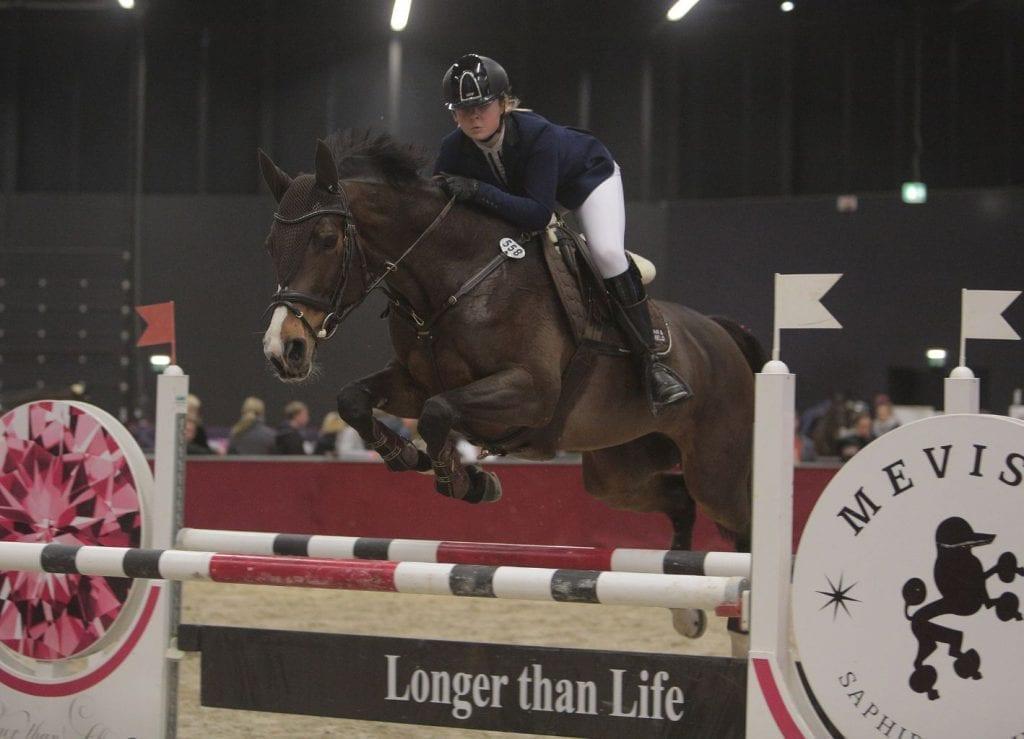 Seriensieger in Salzburg: Anna Lani Novak (CZE), und Taveta gewannen den Amadeus Children Grand Prix. © Fotoagentur Dill