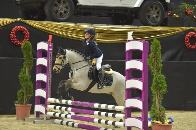 Leonie Assmann (GER) und King holten Rang zwei im s.Oliver Super Mini Pony Tour Opening. © Fotoagentur Dill