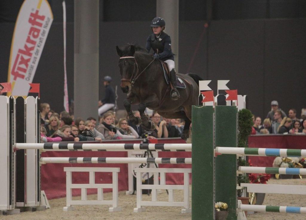Sophie Chistee (AUT/S) und Carlito holten Rang eins im Salzburger Nachwuchs Hallenchampionat. © Fotoagentur Dill
