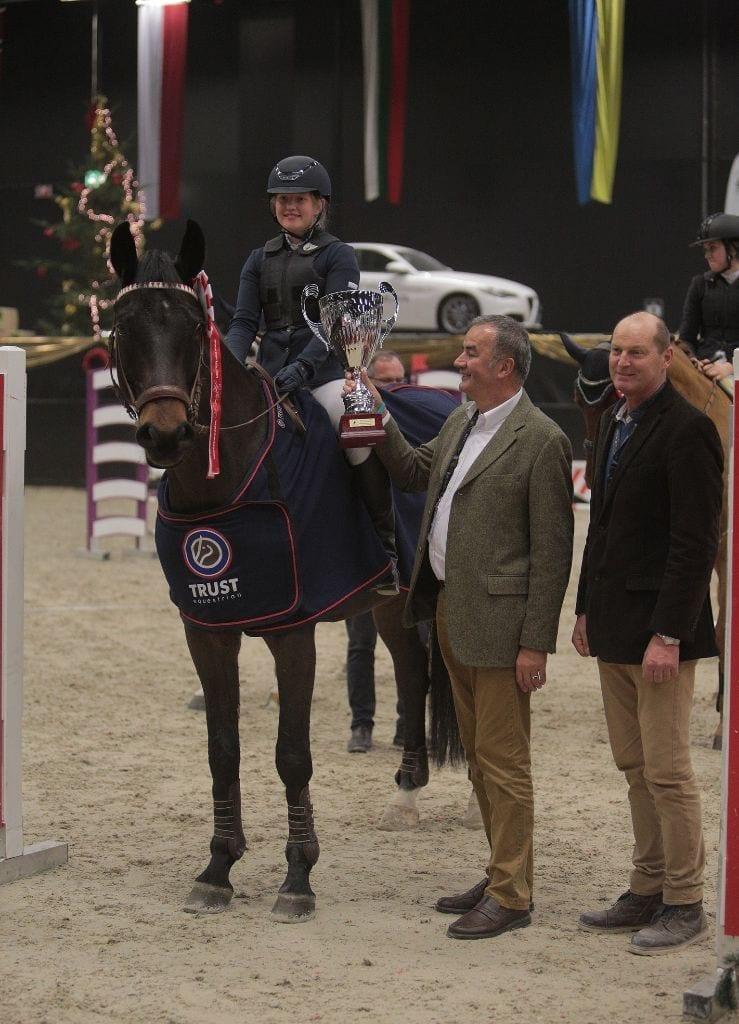 Sophie Chistee (AUT/S) siegte im Salzburger Nachwuchs Hallenchampionat mit Carlito. © Fotoagentur Dill