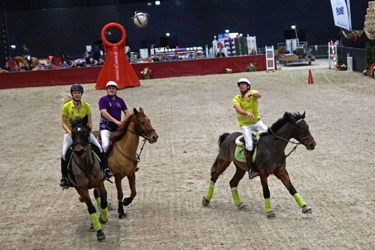 La Cuerra! Die Kombination aus Handball und Basketball zu Pferd. © Salzburg City Guide