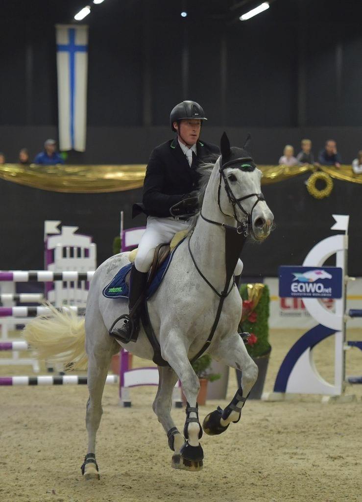 Wervel galoppierte unter Manuel Eugster (SUI) auf Platz zwei in der Amateur Tour der Mevisto Amadeus Horse Indoors. © Fotoagentur Dill