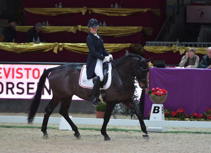 Sophie-Marlene Francz (OÖ) und Show Man 8 wurden Dritte im Transpofix Dressage Cup an Tag drei der Mevisto Amadeus Horse Indoors 2016. © Fotoagentur Dill