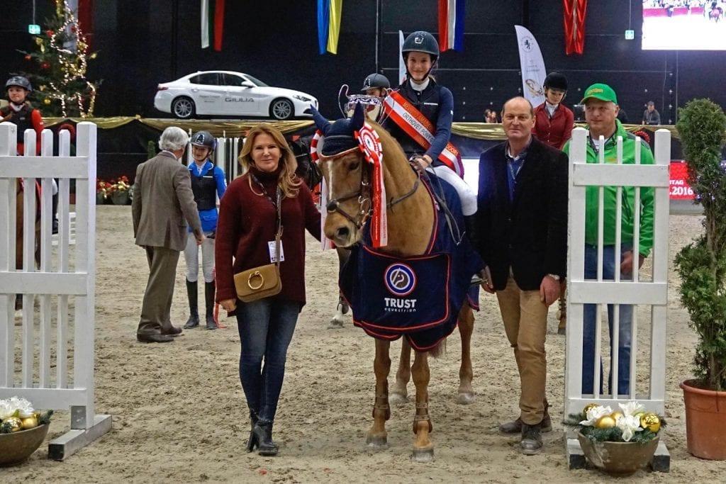 Rusty und Ludovica Goess-Saurau aus dem Burgenland sind die Orthovet Big Pony Grand Prix Sieger. © Salzburg City Guide
