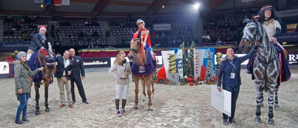 Die Sieger vom Mevisto High Fly Tour Finale presented by R34: Alena Gasperl, Stefanie Hirnböck und Christian Schranz. © Salzburg CityGuide