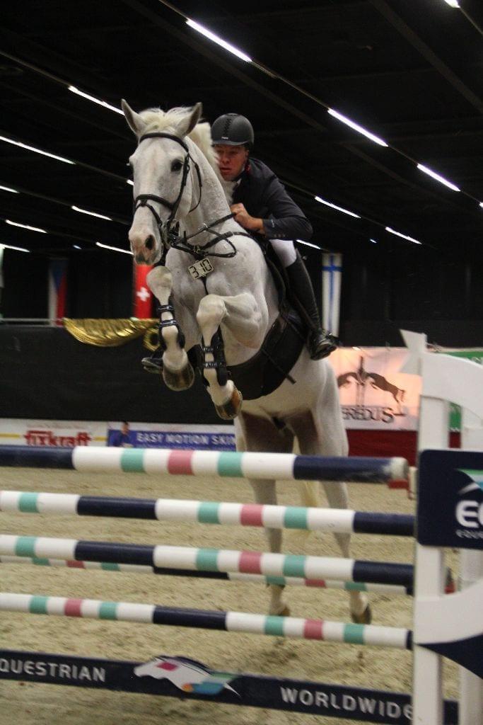 Thomas Holz und Landiamo sind die Finalsieger der kleinen Tour bei den Mevisto Amadeus Horse Indoors 2016. © Fotoagentur Dill