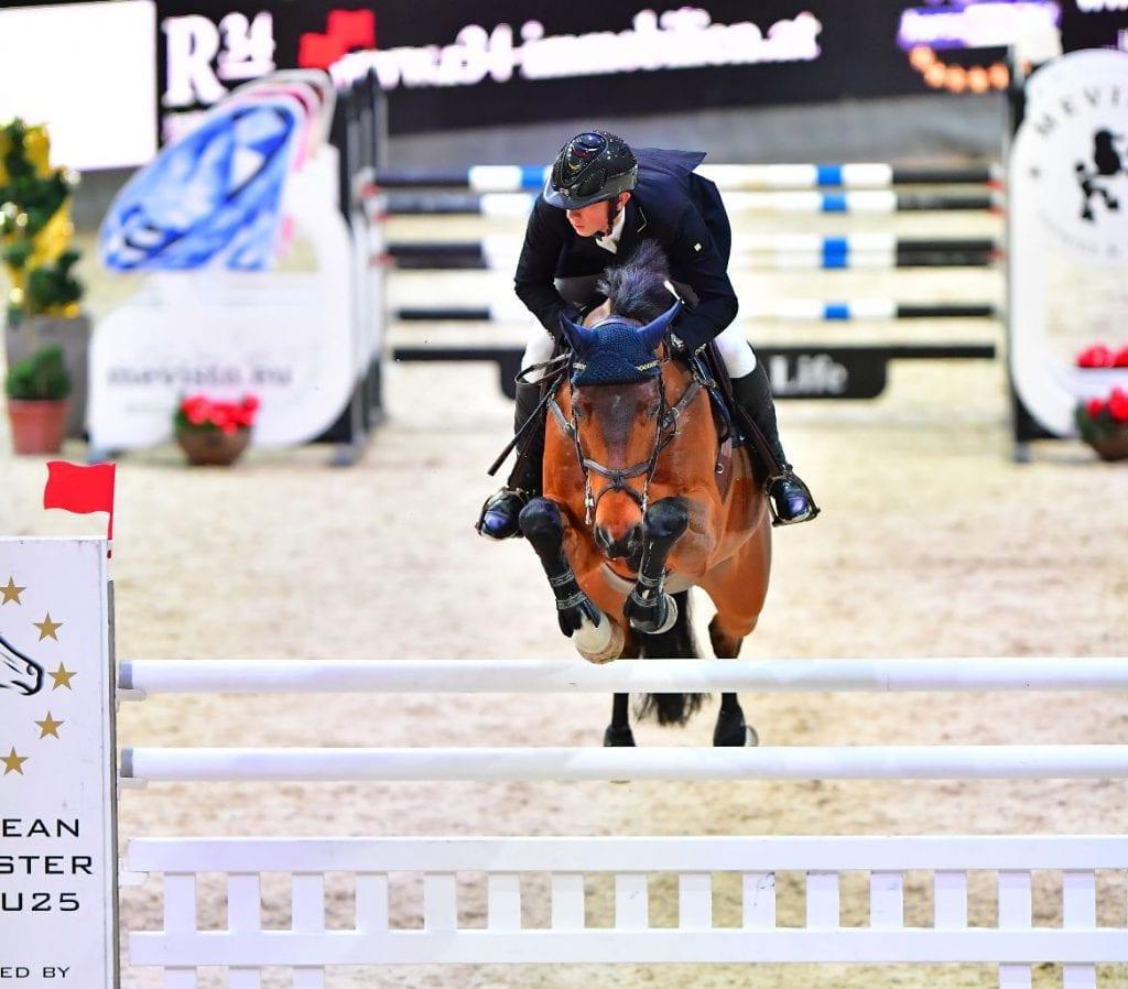 Philip Houston (GER) gewann mit Chaquilot das European Youngster Cup U25 Opening bei der Mevisto Amadeus Horse Indoors. © im|press|ions - Daniel Kaiser