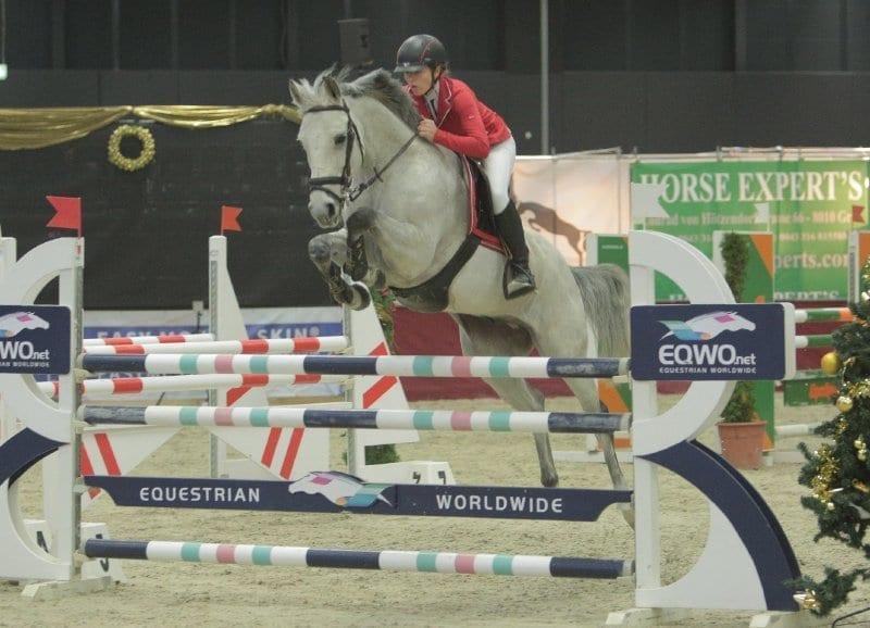 Michele Ruth und Klaus waren die Nummer eins in der kleinen Junioren Tour an Tag eins der Mevisto Amadeus Horse Indoors. © Fotoagentur Dill