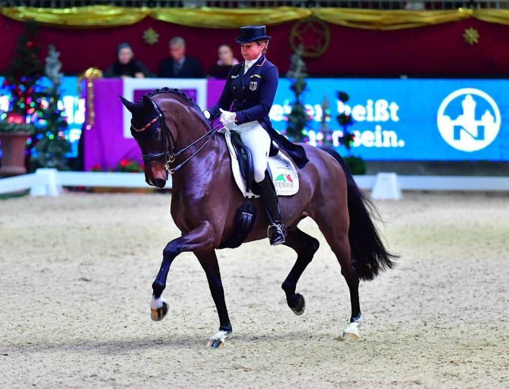 Stolze Siegerin vom FEI World Cup™ Dressage Grand Prix von Salzburg: Dorothee Schneider (GER) auf Showman FRH. © im|press|ions - Daniel Kaiser