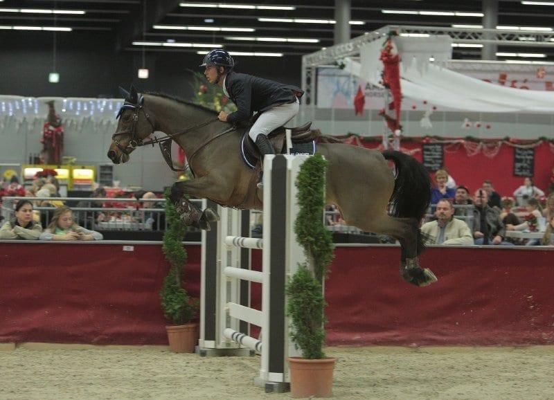 Christian Utz und Moris Casalla belehten Platz drei in der Junioren Tour Small bei der Mevisto Amadeus Horse Indoors 2016. © Fotoagentur Dill