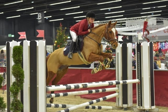 Sophie Zinsmeister (AUT/B) und Girlfriend wurden Zweite in der Orthovet Big Pony Tour. © Fotoagentur Dill