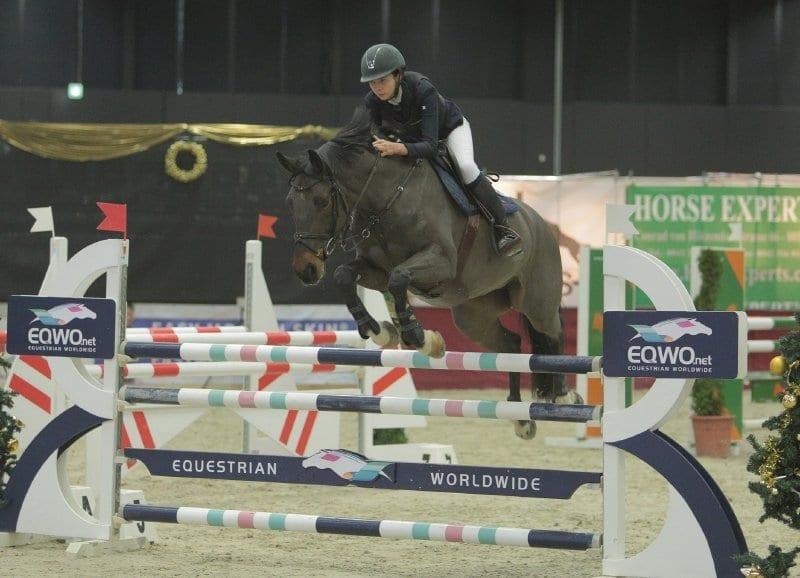 Cathy Zwiener punktete in beiden Junioren Eröffnungsspringen an Tag 01 der Mevisto Amadeus Horse Indoors 2016. © Fotoagentur Dill