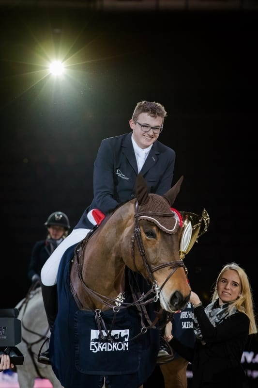 Max Haunhorst (GER) und Crueger starten mit einem souveränen Sieg in den EY-Cup vom Amadeus Horse Indoors 2017. © Michael Graf
