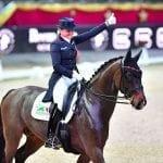 Die Nr. 8 der Welt Dorothee Schneider kommt mit ihrem EM-Pferd Sammy Davis Jr. nach Salzburg. © im pressions – Daniel Kaiser