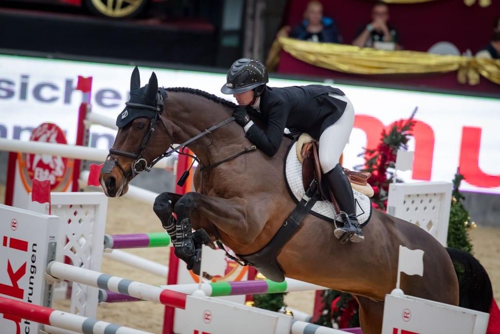 Emma Augier de Moussac (CZE) und Diva sprangen auf Platz drei im Sportland Salzburg Grand Prix presented by MUKI. © Michael Graf