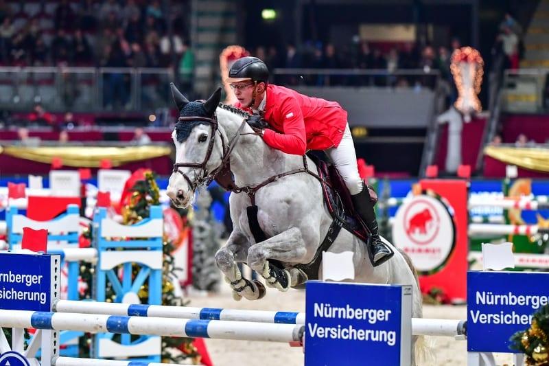 Tobias Meyer und Queentina auf dem Weg zum Sieg im Nürnberger Versicherung Masters bei der Amadeus Horse Indoors. © Daniel Kaiser