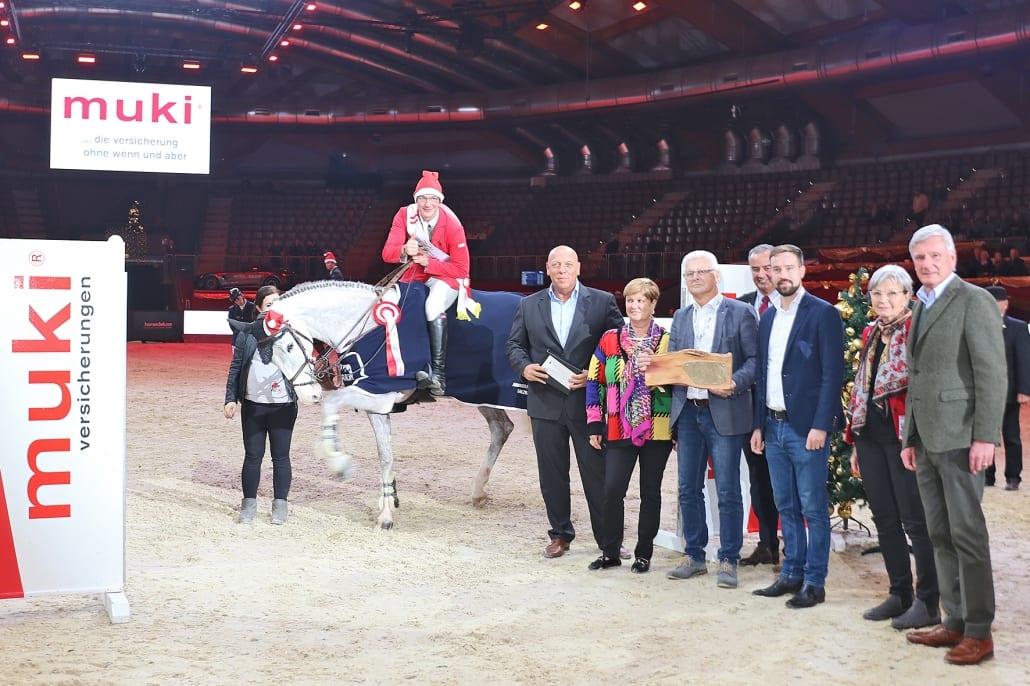 Die Siegerehrung vom Sportland Salzburg Grand Prix presented by MUKI. © salzburg-cityguide.at
