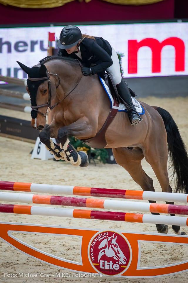 Susanne Winter und Mevistos Bonaparte gelingt eine super Runde, die für zwei Platz reicht. © Michael Graf