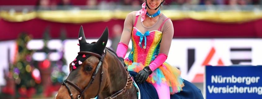 Alena Gasperl und Allman sind das erste Paar in der 13.jähirgen Geschichte der Amadeus Horse Indoors das drei Mal in die Folge die kostümierte Mächtigkeit gewinnen konnte. © Daniel Kaiser
