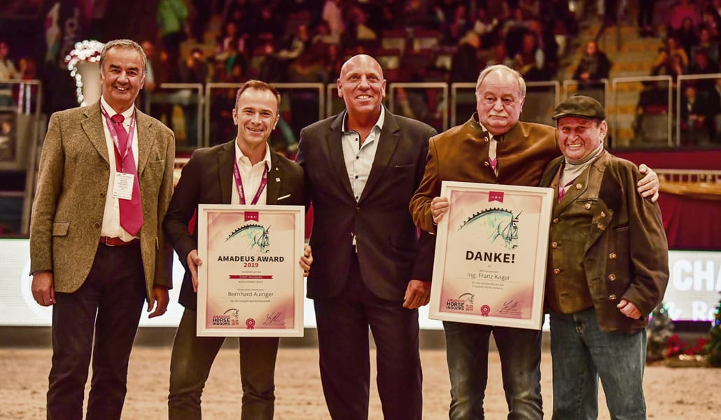 Von links nach rechts: Dr. Ernst Griebnitz (Präsident Salzburger Pferdesportverband), Bgm.-Stellvertreter Bernhard Auinger, Josef Göllner, Ing. Franz Kager, Hugo Simon © Daniel Kaiser