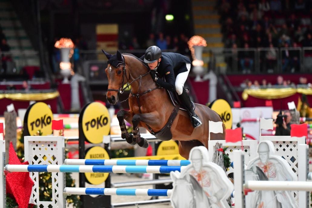 Der Tiroler Max Kühner führt als Nr. Eins von Österreich und Nr. 23 der Springreiter-Weltrangliste die Top-20 in rot-weiß-rot bei der Neuro Socks Amadeus Horse Indoors 2020 an. © Daniel Kaiser | Impressions