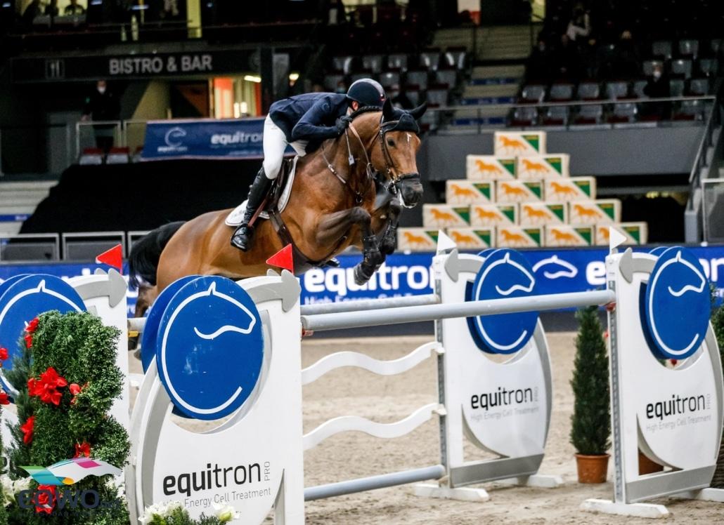 Das Siegerduo im equitron-pro Grand Prix der 15. Neuro Socks Amadeus Horse Indoors kommt aus Belgien: Jos Verlooy und Varoune. © EQWO.net